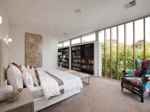 37 Elizabeth bedroom