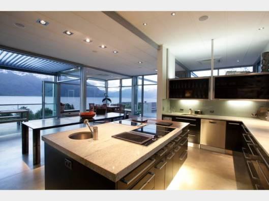 25 Drift Bay kitchen